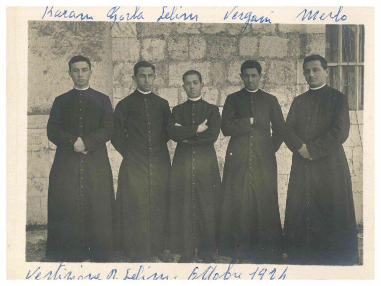 صورة عام 1924. من اليمين: الأب برناردينو ميرلو - الأب أنطوان فيرغاني- الأب سليم حذوة - الأب البينو غورلا - الأب ميشيل كرم