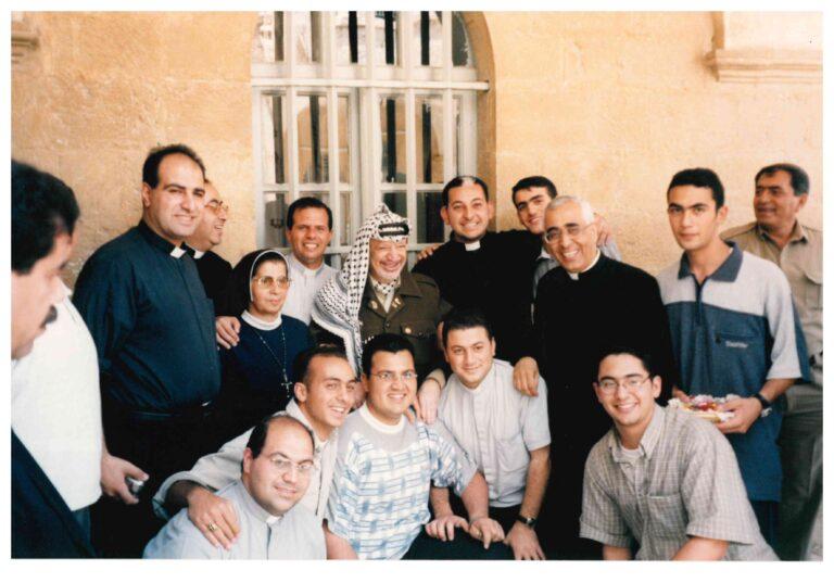 زيارة الرئيس الراحل ياسر عرفات للمعهد الإكليريكي