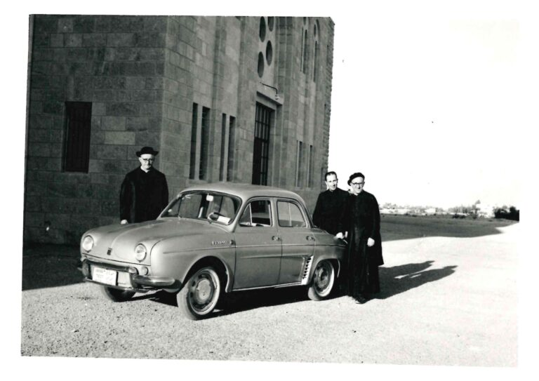 سيارة جديدة للمعهد - عام 1963